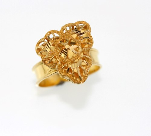 a970f1aecf4cd 21 Yellow Gold Ring