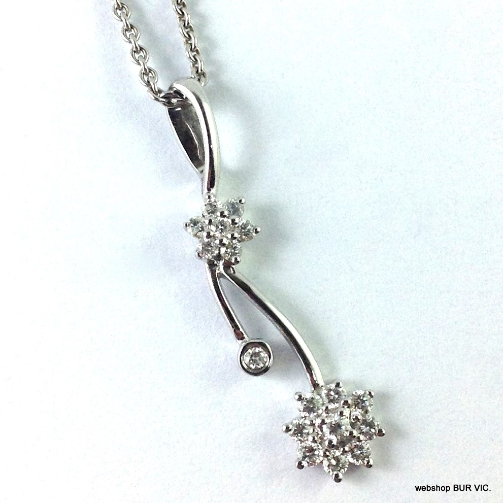fc7bacf3b47 18ct White Gold Pendant on Chain 4.2g