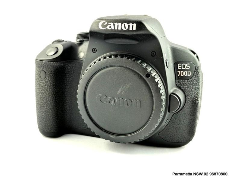 CANON 700D DS126431 BLACK