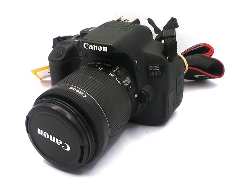 Canon Eos 700D Ds126431 18 0 Mp Black