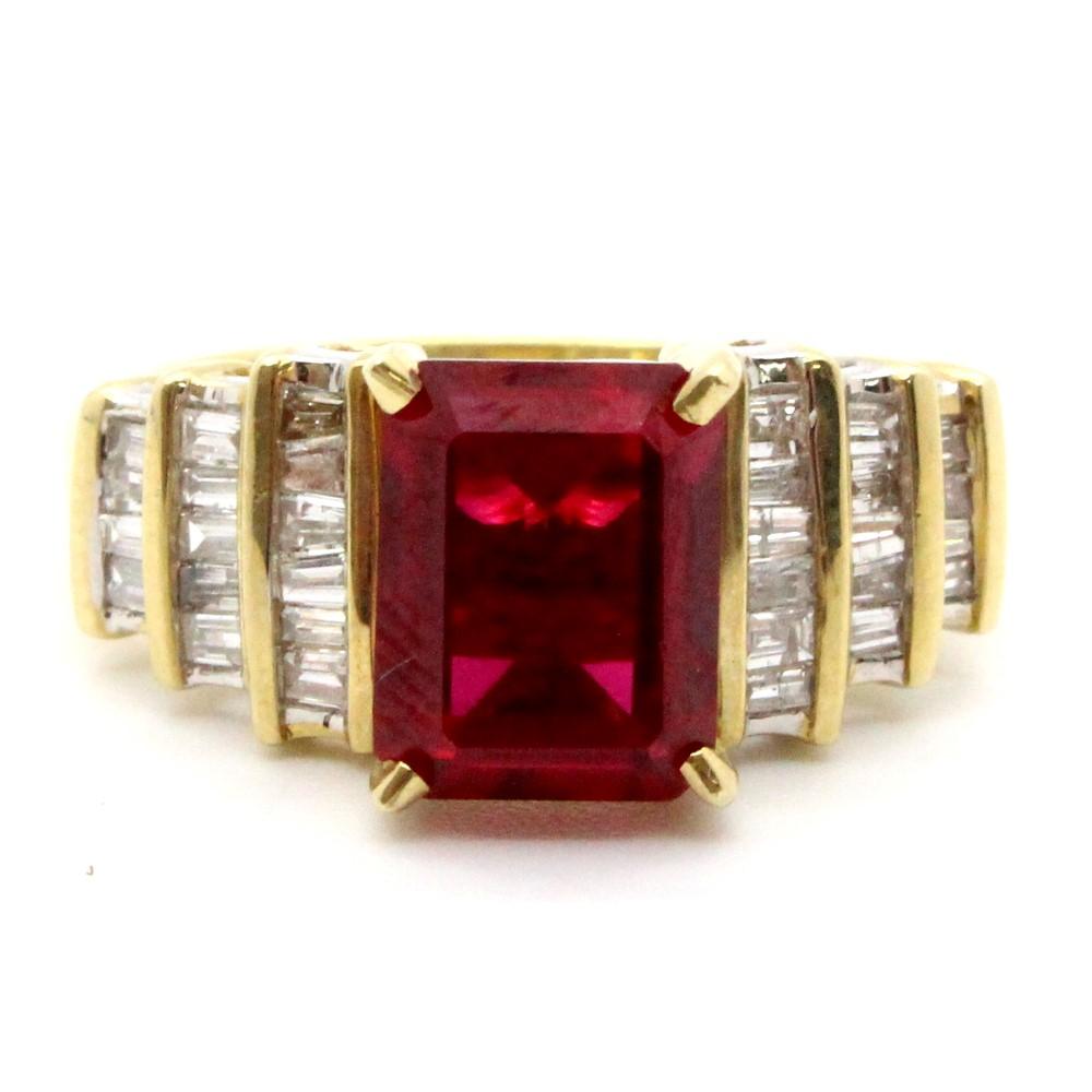 18ct Yellow Gold Ladies N Diamond Ring