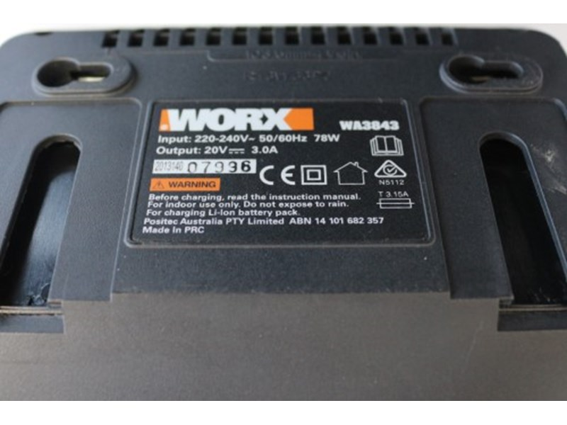 Worx Wa3843 Battery And Charger