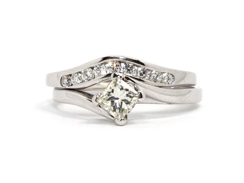 18ct Angus Coote White Gold Ladies Diamond Ring N